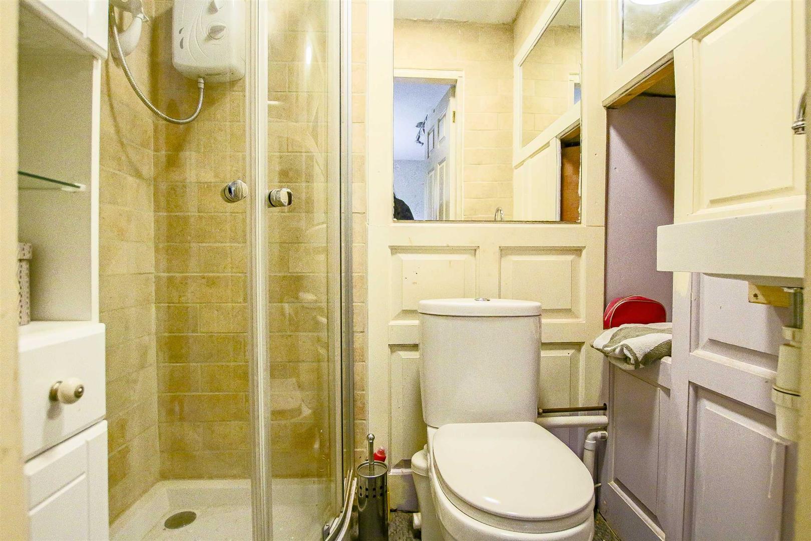 5 Bedroom Detached House For Sale - Image 18